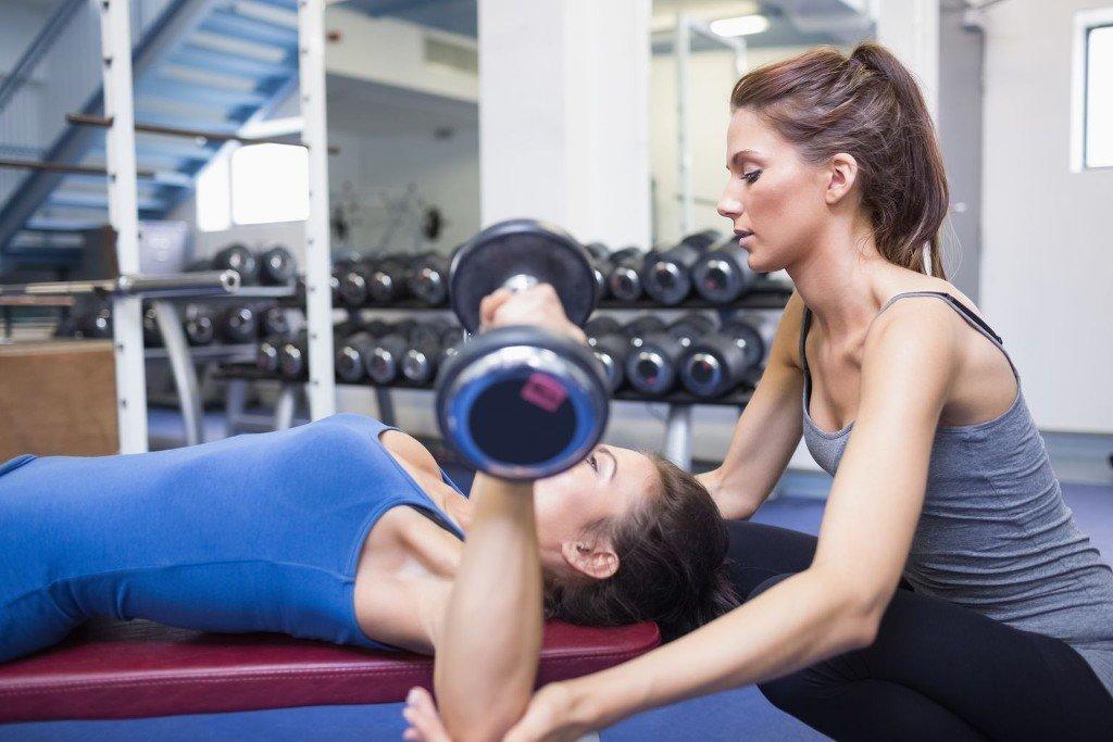Женщины в фитнес клубе фото видео думаю