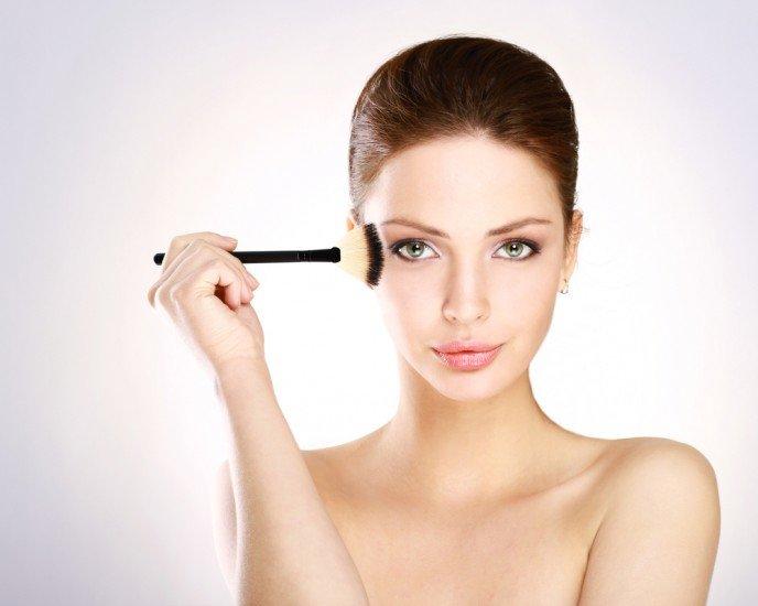 Как защитить кожу от макияжа