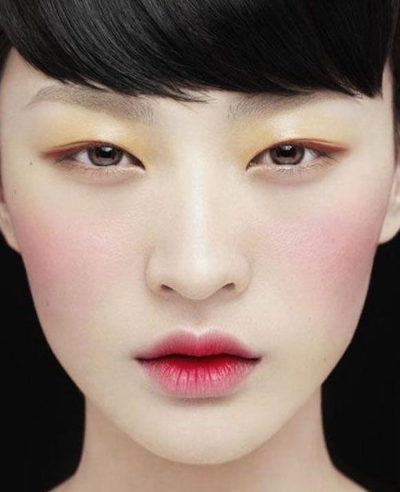 Хотите попробовать что-то новое в своем макияже?