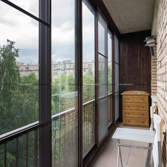 Французское остекление предполагает остекление балкона от по.