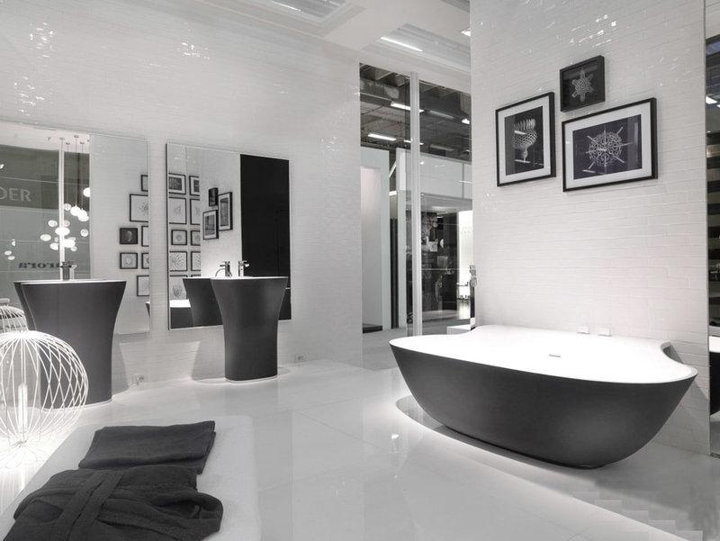 Черный в ванной