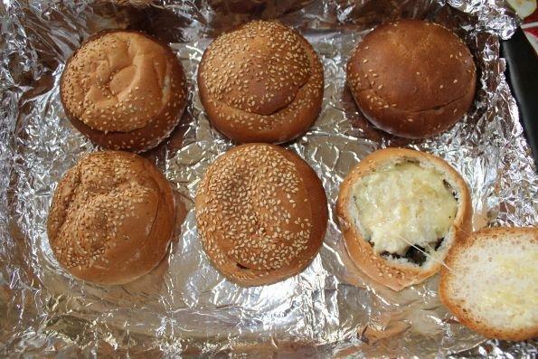 Папоротник с грибами в хлебных горшочках