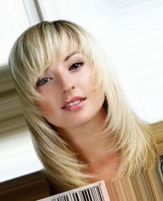 лесенка с косой челкой на средние волосы фото