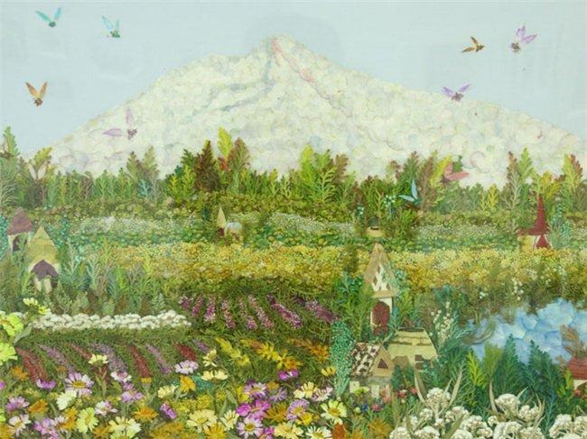 цветочное поле и гора