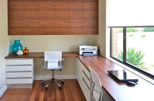 Необходимо обустроить домашний офис таким образом, чтобы работать в нем было комфортно