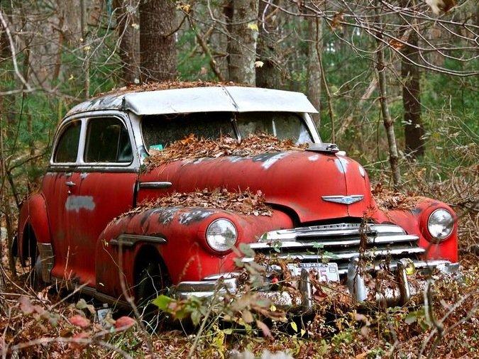 брошенные старые американские авто в россии