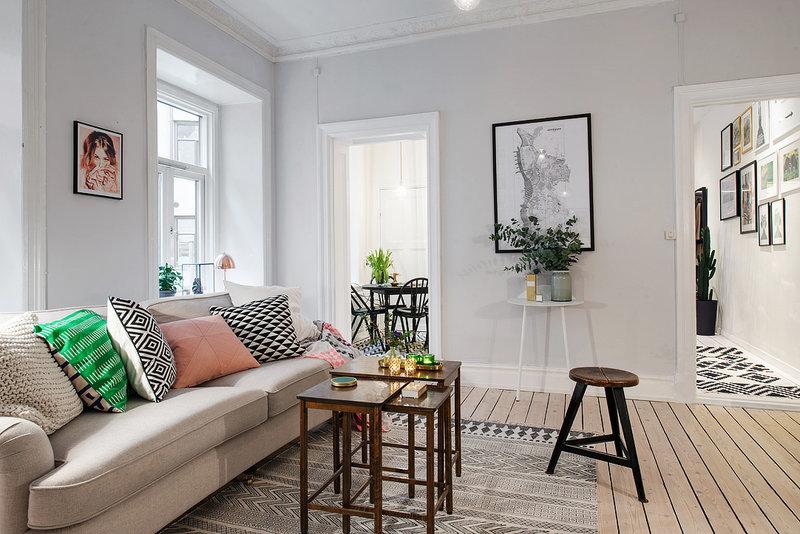 Выкогда-нибудь мечтали озавораживающем светлом интерьере вашей квартиры? Если да, тоэти апартаменты вскандинавском стиле Вам очень понравятся. Здесь чарующая идобродушная атмосфера, располагающая ккомфортной жизни.