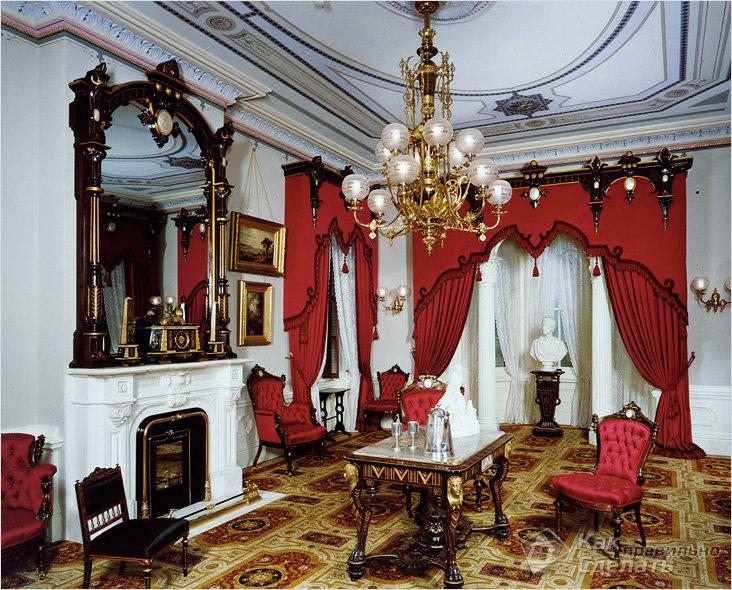 Красный мебельный шелк для обивки кресел в гостиной с камином