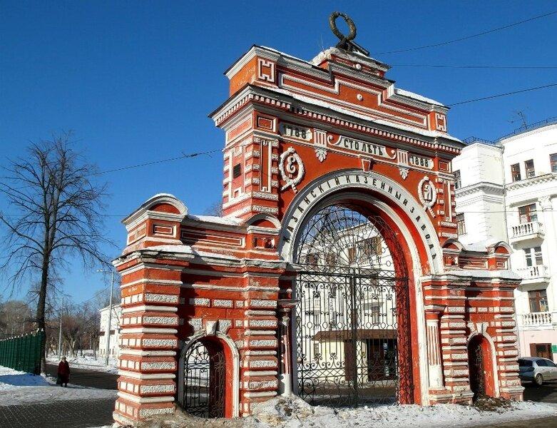 Памятник архитектуры, сооруженный в 1888 году, сейчас входит в состав целого паркового ансамбля.