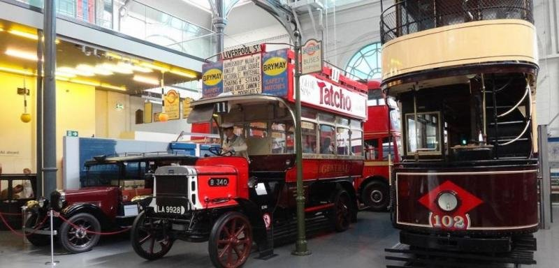 Двухэтажный трамвай в музее транспорта, Лондон