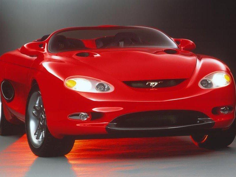 Красный концепт  Ford Mustang Mach III - вид сверху