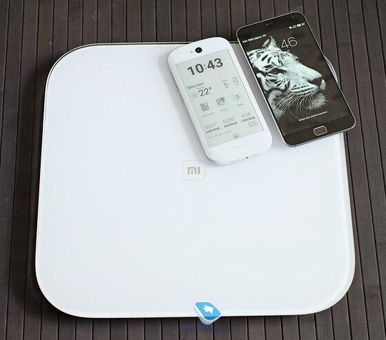 Mobile-review.com Обзор умных весов Xiaomi Scale