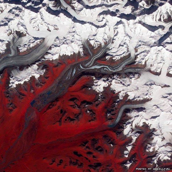 NASA опубликовало уникальные снимки из космоса (34 фото)