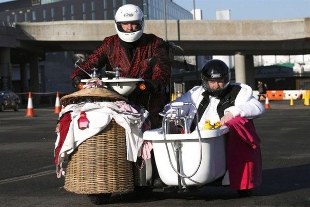 Необычный мотоцикл с коляской. » Смешные Анекдоты Истории Цитаты Афоризмы Стишки Картинки прикольные Игры