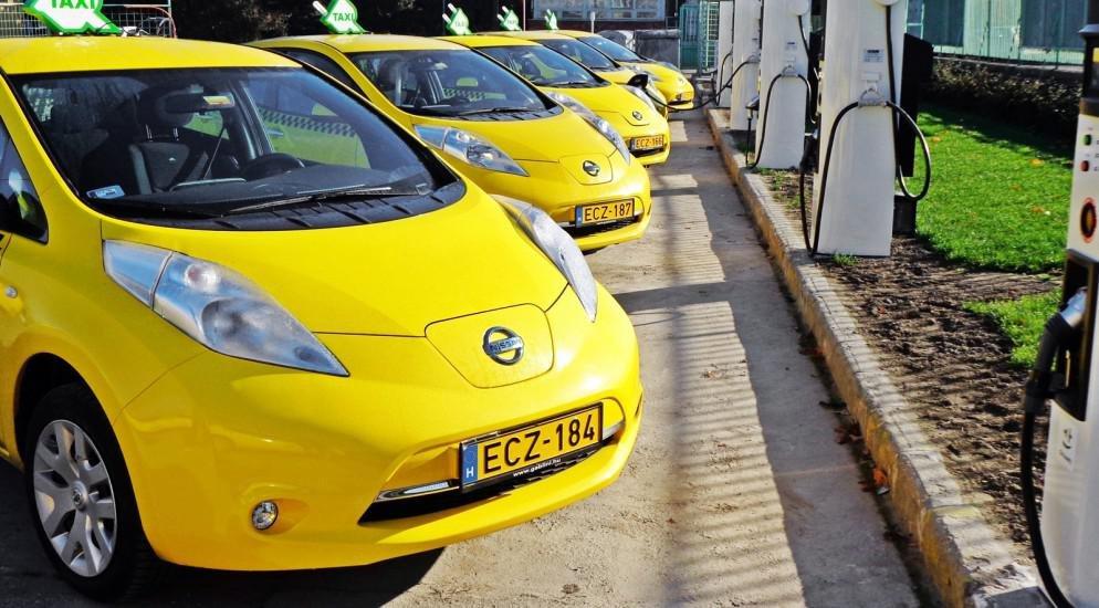 Nissan Leaf - самое популярное электротакси в Европе (ФОТО) » Новости GoGetNews