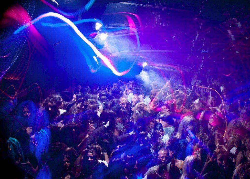 Любительское фото в ночном клубе — pic 5