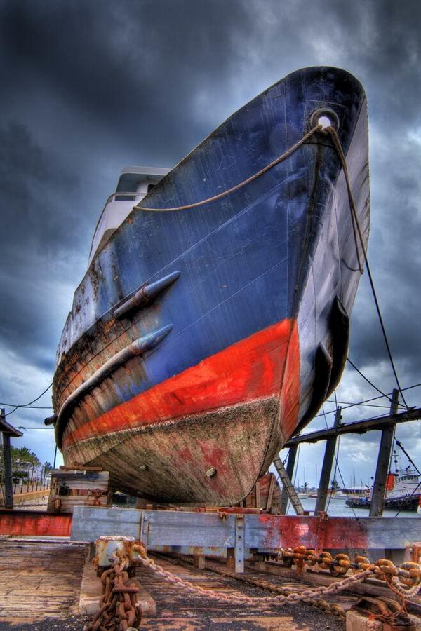 Обработанное HDR фото корабля