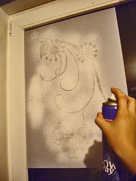Рисуем на окне праздник