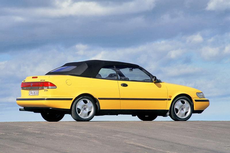 Saab 900 Convertible