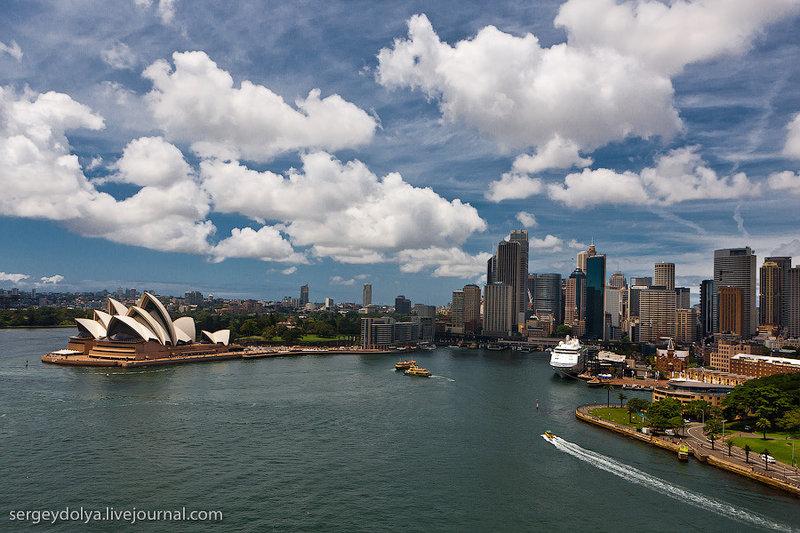Сидней, вид на оперу издалека