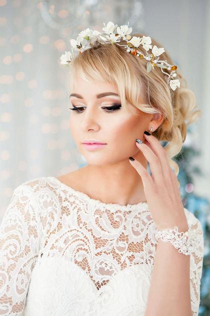 Красивый свадебный венок для необычной фотосессии.