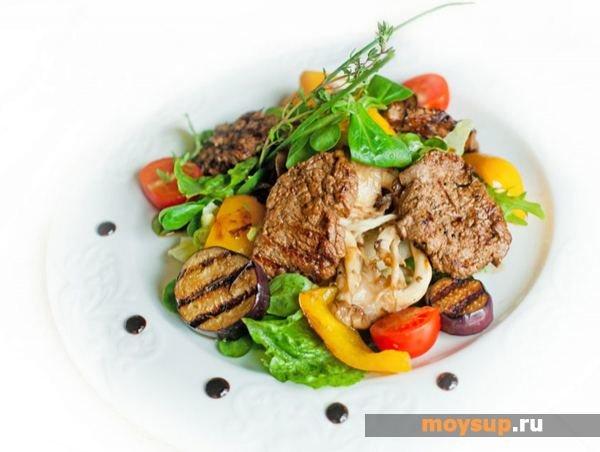 салат теплый с говядиной и овощами рецепт с фото