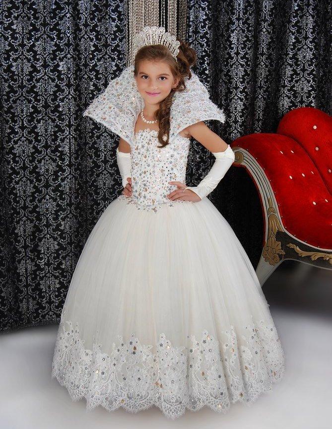 e63d8506533ec18 Новогодние платья для девочек должны быть с нотками волшебства ...
