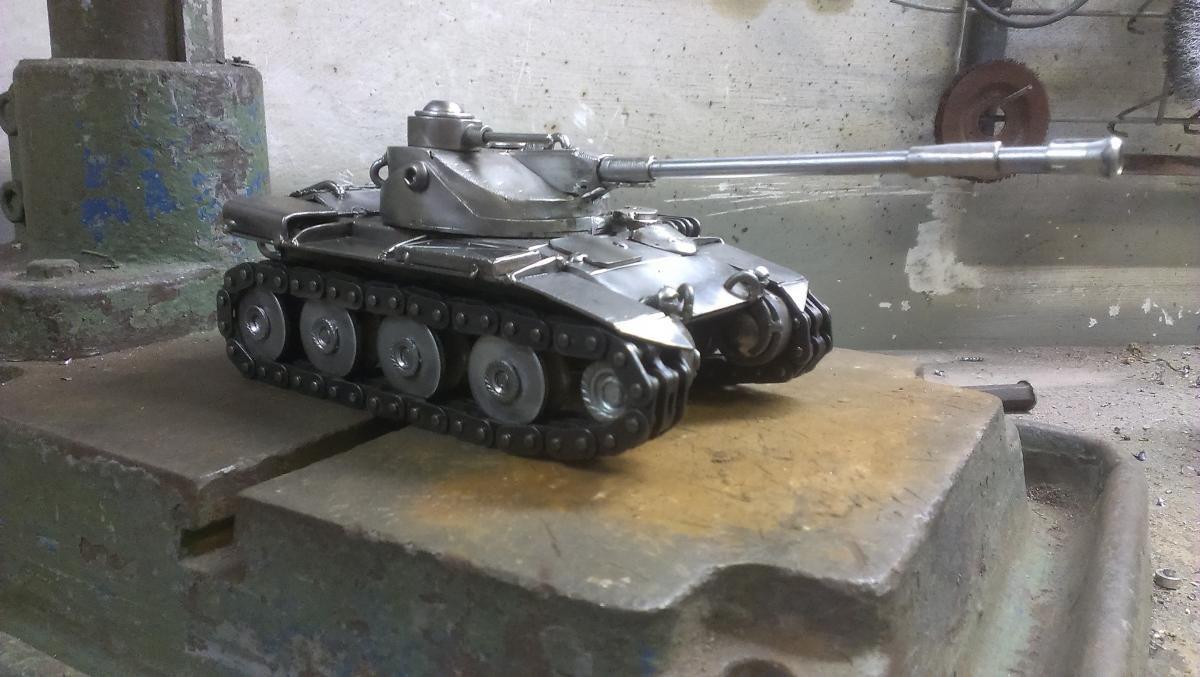 также оказывает картинки самодельного танка поделка из металла когда