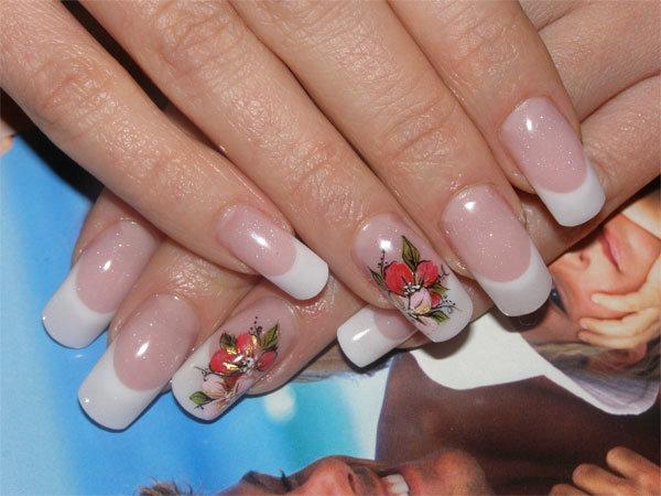 свадебный френчманикюр с дизайном на одном ногте, студия Шоколад Ясенево