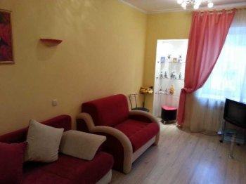 Сдается чистая,уютная квартира.Есть вся необходимая современная мебель и бытовая техника для проживания.Рассматривают славян или иностранцев европейской внешности.Возможен торг при взаимной