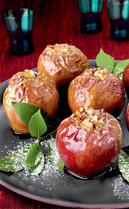 Печеные яблоки с ромом