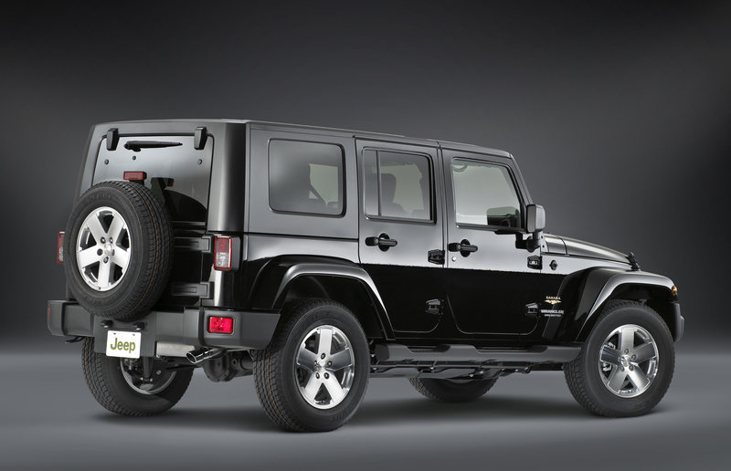 """Jeep Wrangler Unlimited Sahara """"Luxury Leather Package"""""""
