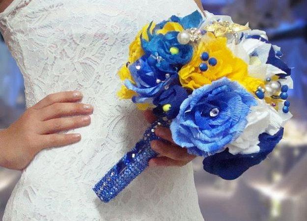 Букет невесты голубой синий с желтыми цветами, букет желтый