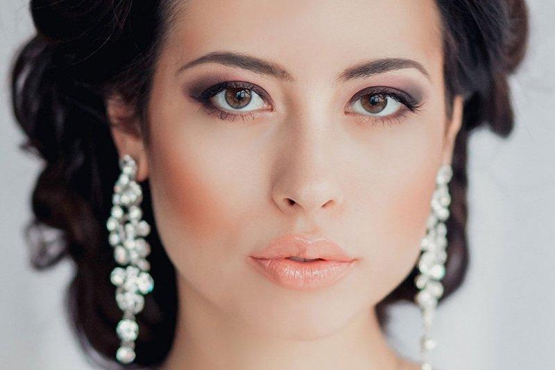 Секреты свадебного макияжа для карих глаз