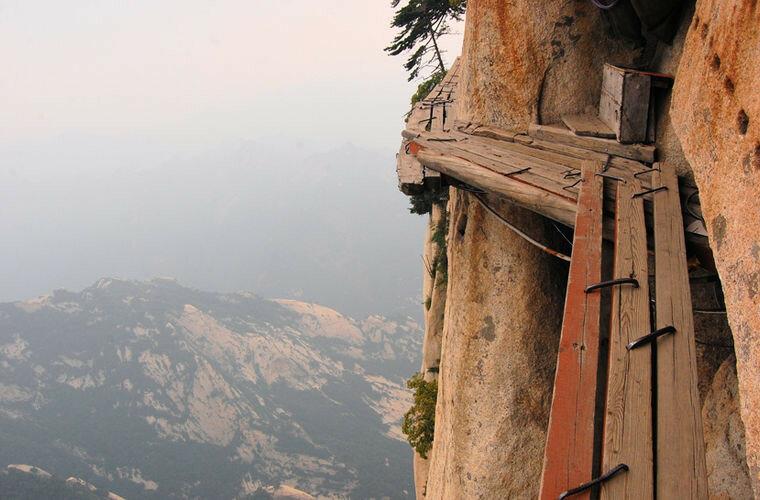 Тысяча ступеней Поднебесной. Гора Хуашань, Китай