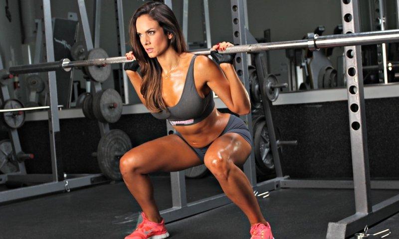 Комплексное силовое упражнение для девушек — Спортивный сайт