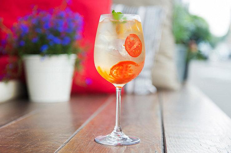 Необычные рецепты барменов: 5 коктейлей для весенней вечеринки | Журнал Cosmopolitan