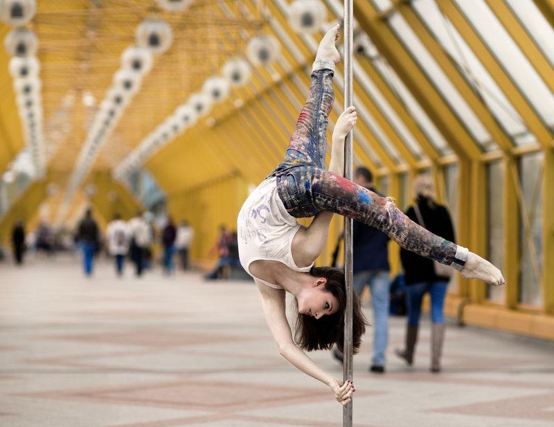 Pole dance - танец на пилоне