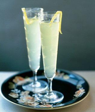 Рецепт коктейля Игристый лимончелло
