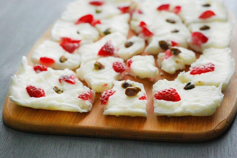 Семь идей для диетических десертов из натурального йогурта