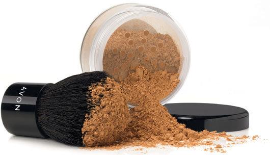 Mineral-Foundation von AVON, Quelle: AVON Cosmetics GmbH