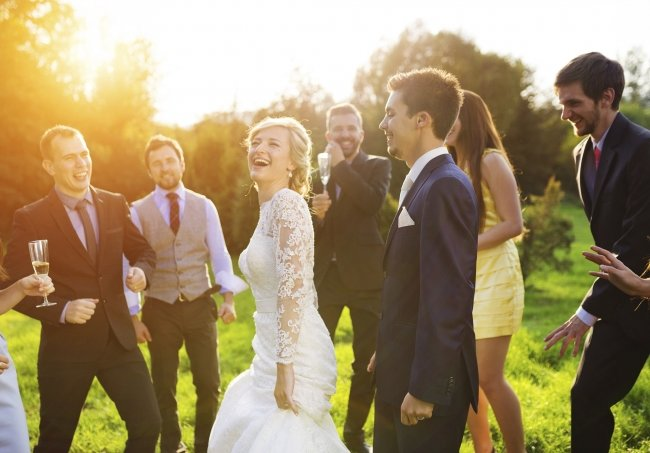 Почему выгодно праздновать свадьбу за городом. Фото: thinkstockphotos.com - Портал Домашний