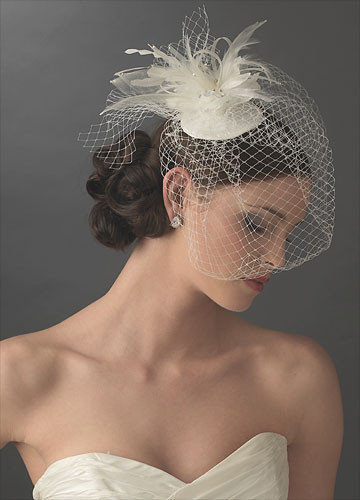 Романтичный аксессуар для невесты - свадебная вуаль