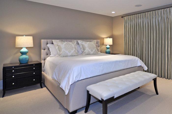 К примеру, если для конкретного человека бежевые тона являются успокаивающими и умиротворяющими, то следует выбрать именно этот цвет в интерьере спальни.