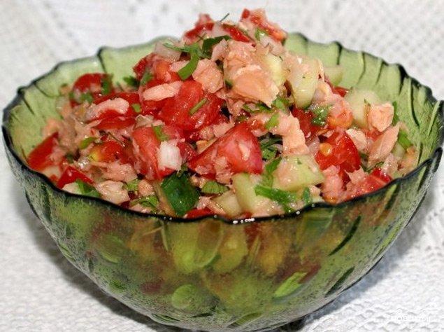 Рыбный салат из горбуши с фото