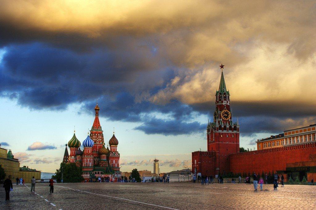 все картинки кремля красной площади средства передвижения, более