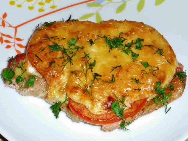 Свинина по-французски с помидорами и сыром - lakomka.club мясо по французски