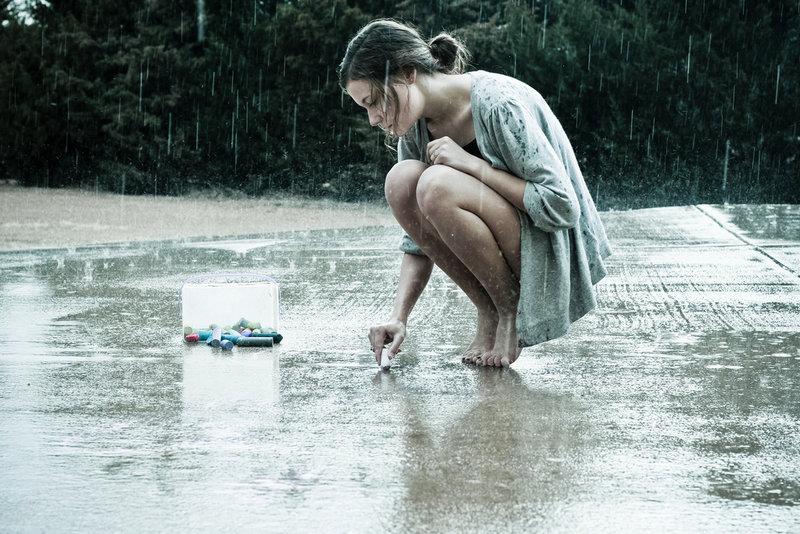 девушка дождь