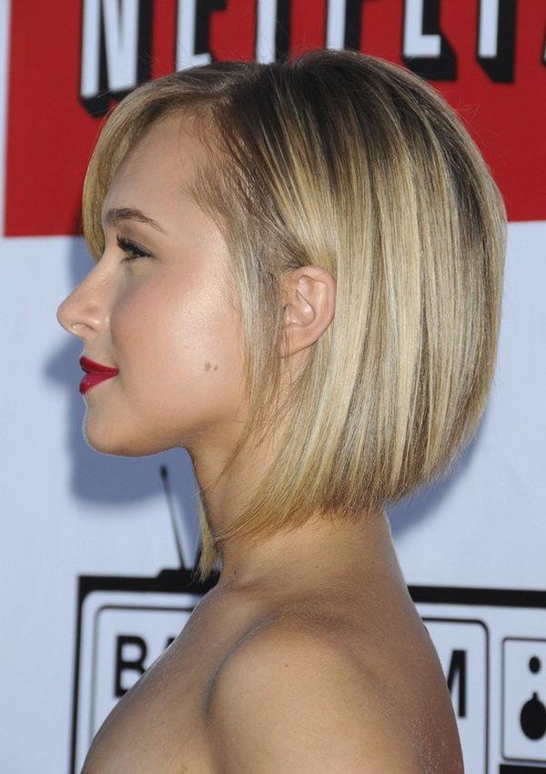 Для коротких тонких волос подойдет каре с ровным срезом.
