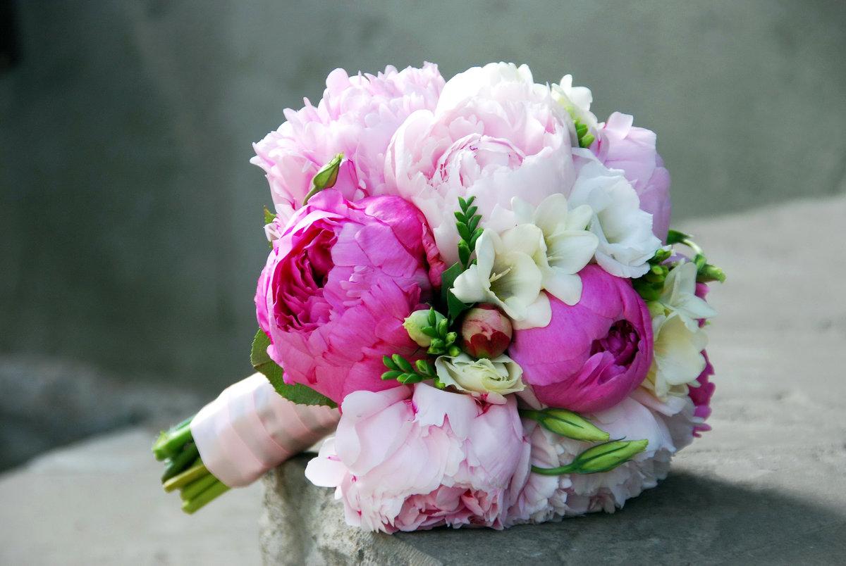 Цветочные букет из пионами свадебные